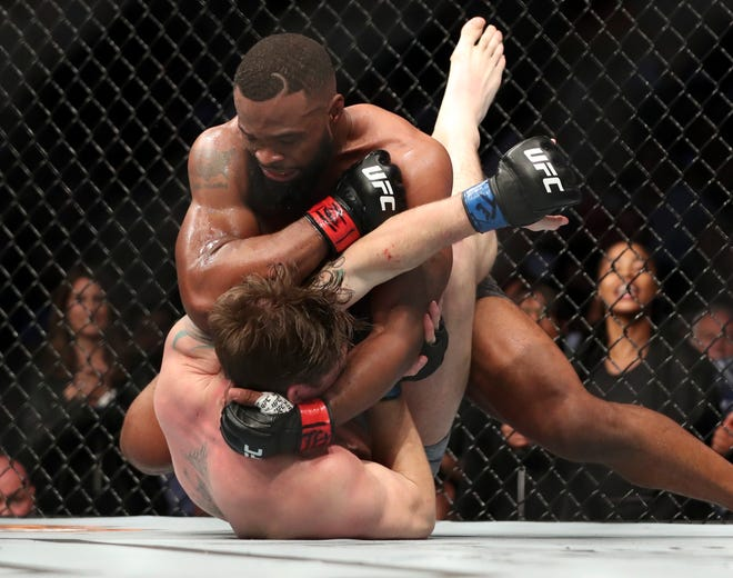 Ufc 228 Tyron Woodley Chokes Out Darren Till To Retain Title