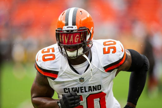 Cleveland Browns defensive end Chris Smith runs during warmups before the game against the Pittsburgh Steelers at FirstEnergy Stadium. - Packers QB Carted Off In Clash With Bears