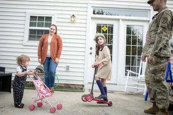 Complaints mount that the system of moving military families is broken.