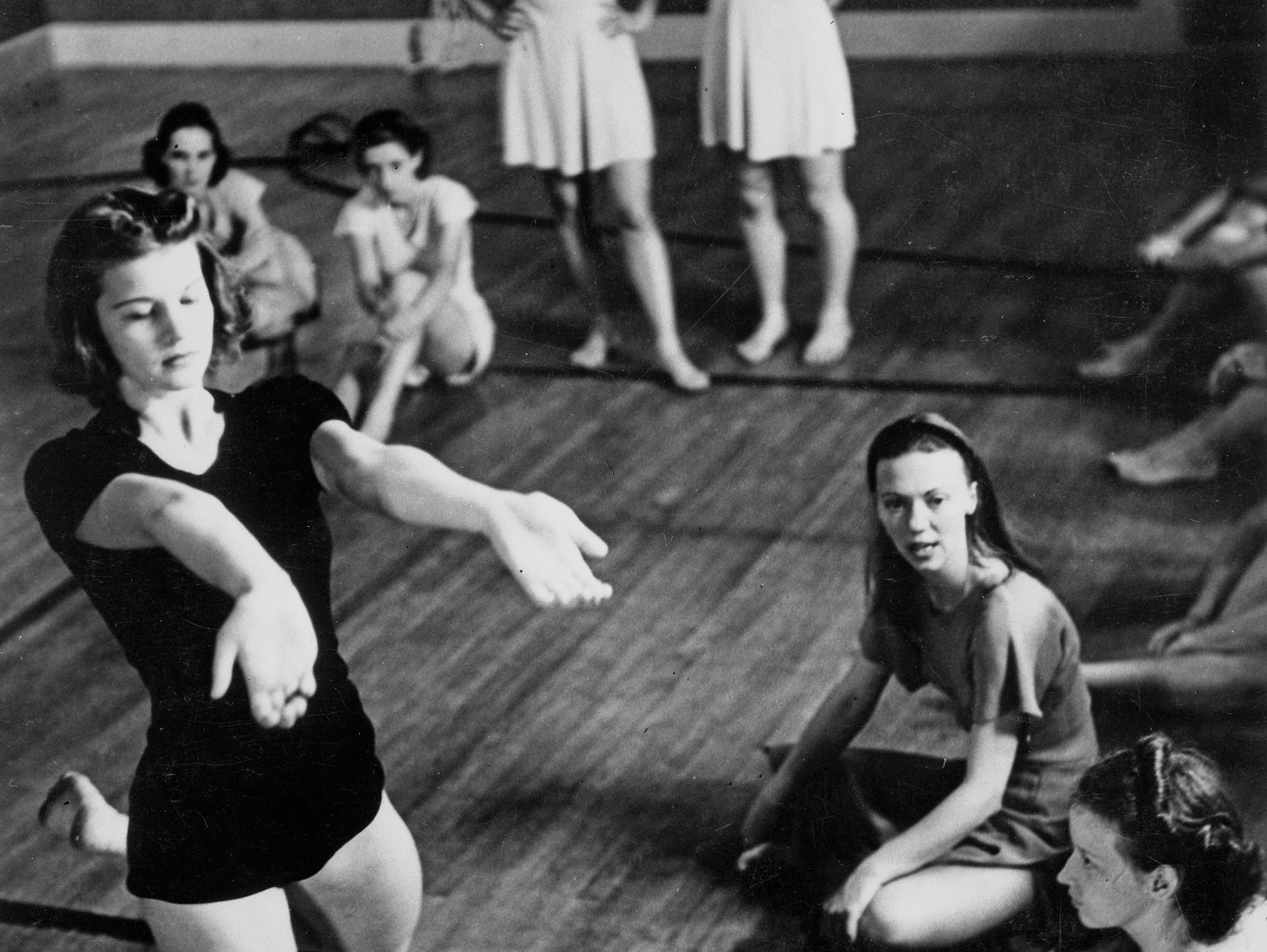 Betty (left) honed her dance skills under the tutelage of Martha Hill (seated, center) and Martha Graham (not pictured) at Bennington College School of Dance in the summer of 1937.