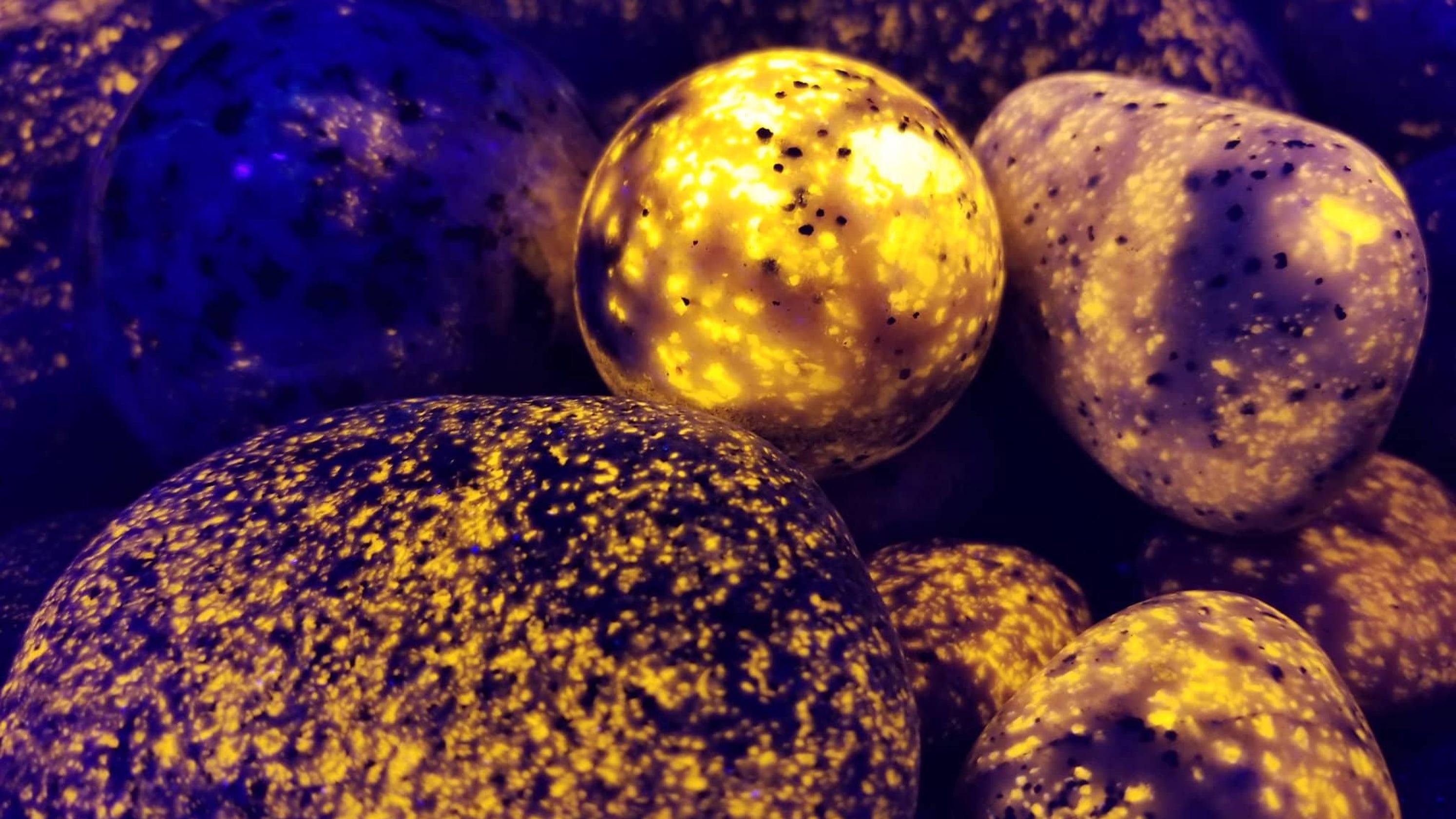 Michigan men battle over U P 's 'Yooperlite' glowing rocks