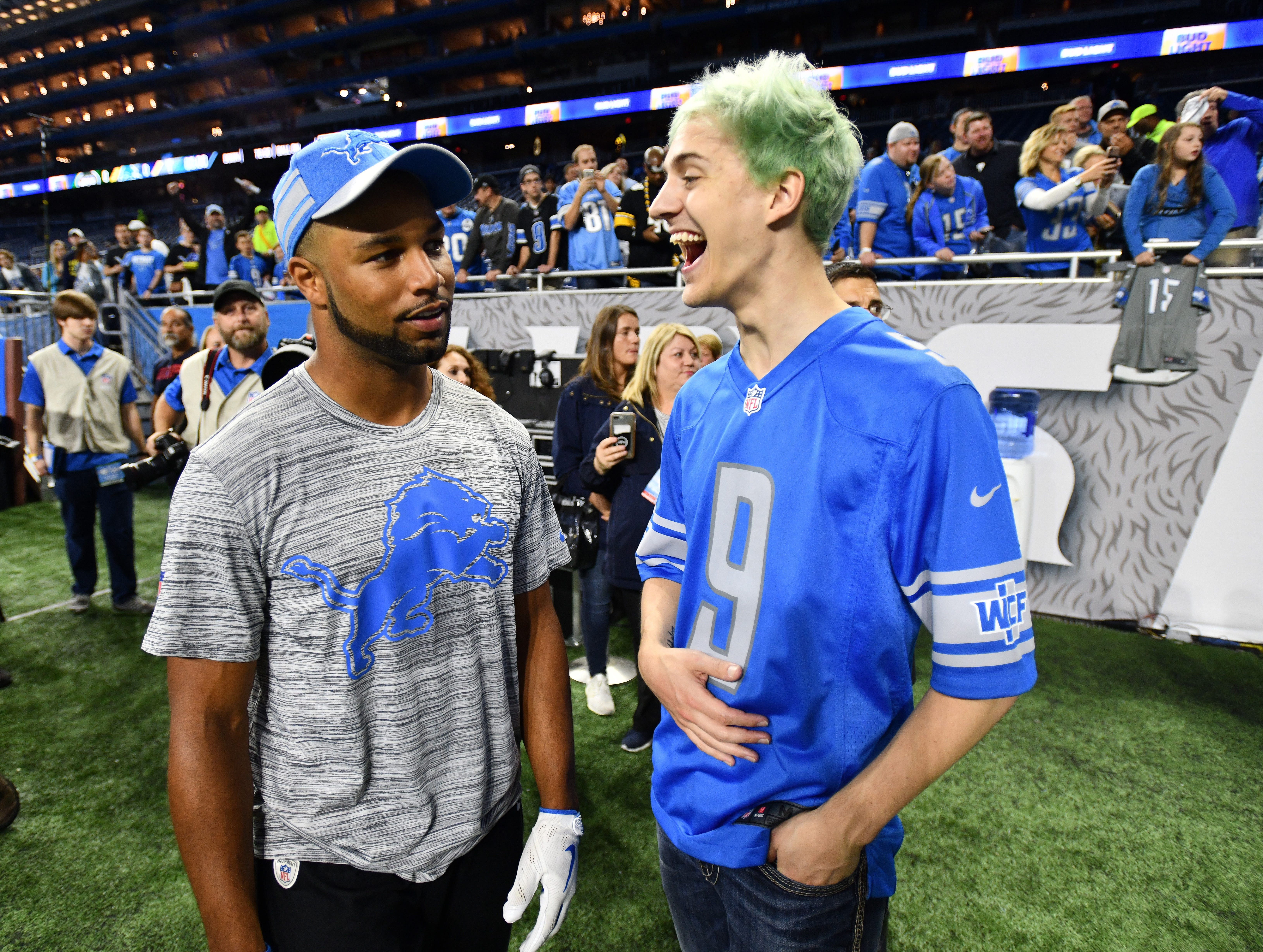 Lions' Golden Tate chats with Tyler Blevins, otherwise known as Ninja, an online gamer whose social media following is in the millions, before Monday Night Football in Detroit