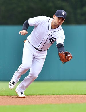 Former Tigers shortstop Jose Iglesias has signed a minor-league deal with the Cincinnati Reds.