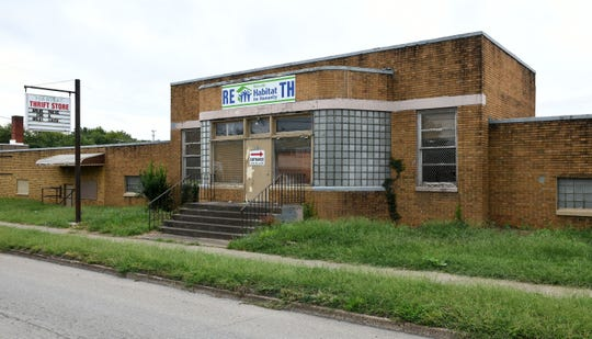 Blühen Botanicals, an industrial hemp processor, plans to open a hemp processing and extraction center at 2209 N. Central St. in the former site of a Habitat for Humanity thrift store.