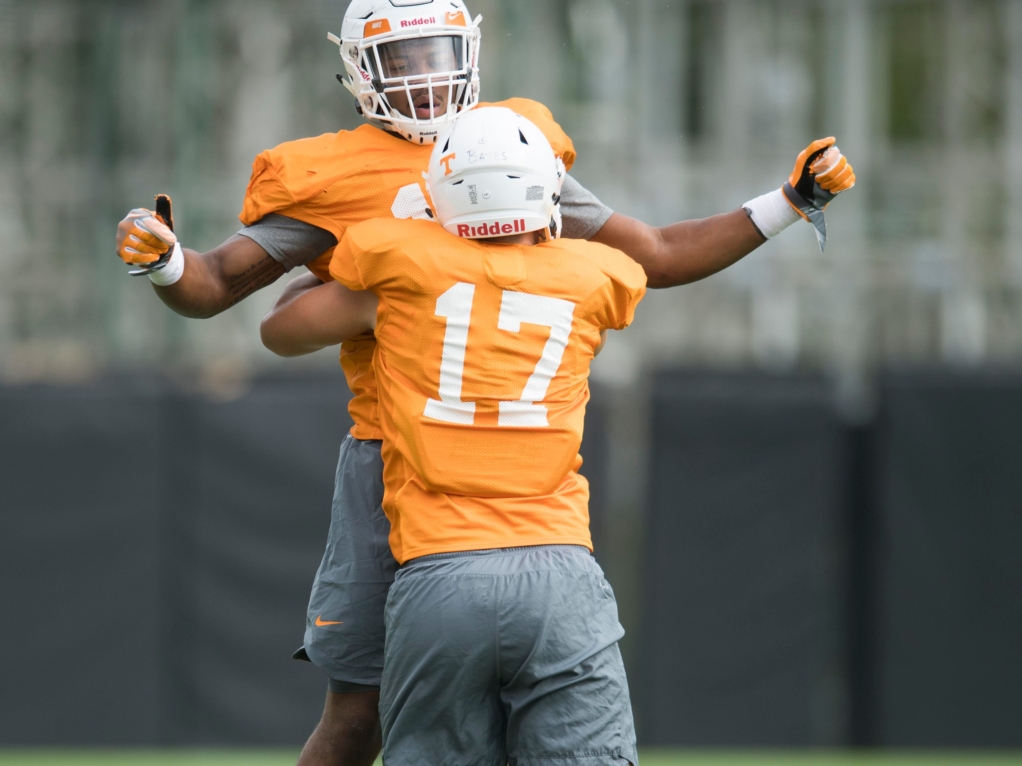 Tennessee linebackers Quart'e Sapp (14) and Dillon Bates during practice on Monday, September 10, 2018.