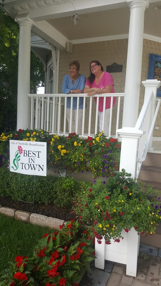 "Angela Carson Photography was named the ""Best in Town"" by the City of Northville beautification commission."