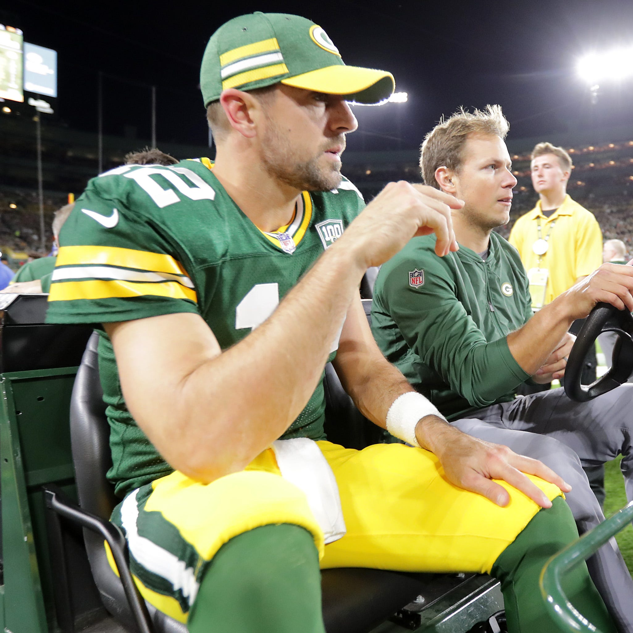 Packers QB Aaron Rodgers reveals he played 2018 season on fractured leg