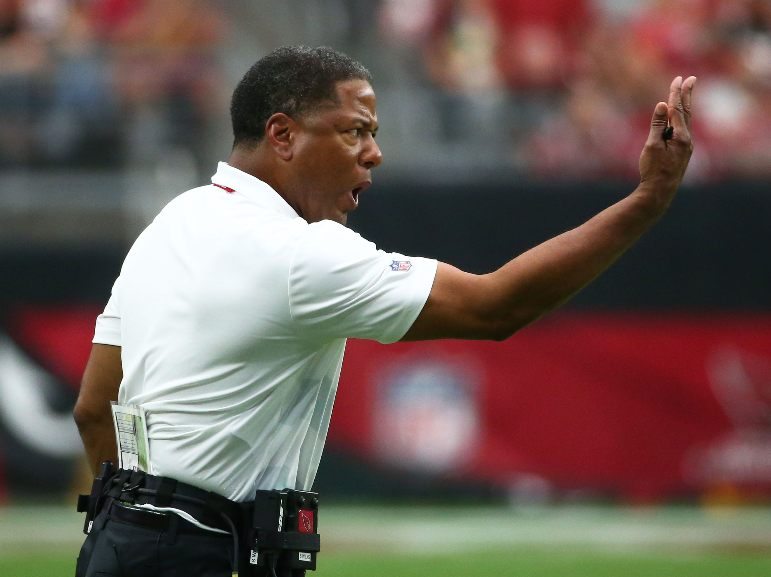 Arizona Cardinals head coach Steve Wilks reacts to a penalty against the Washington Redskins in the first half at State Farm Stadium.