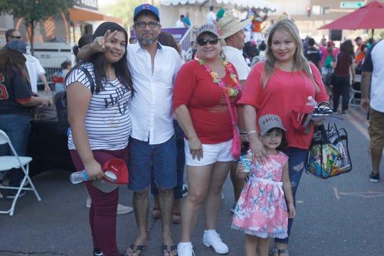 Los Villa Romo disfrutaron de una tarde en familia, en el ambiente del Día de la Herencia Hispana de los D-backs.