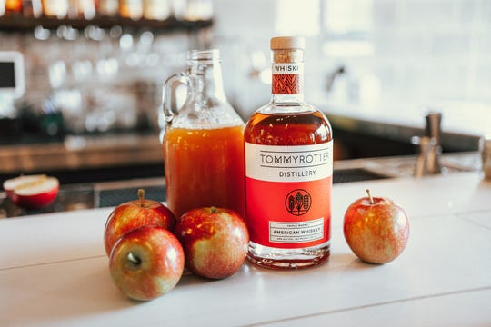 Tommyrotter Distillery of Buffalo will be sampling its Triple Barrel American Whiskey and Tommycider Splash craft cocktail, which is a mix of the aforementioned whiskey, angostura bitters and apple cider garnished with an apple slice.