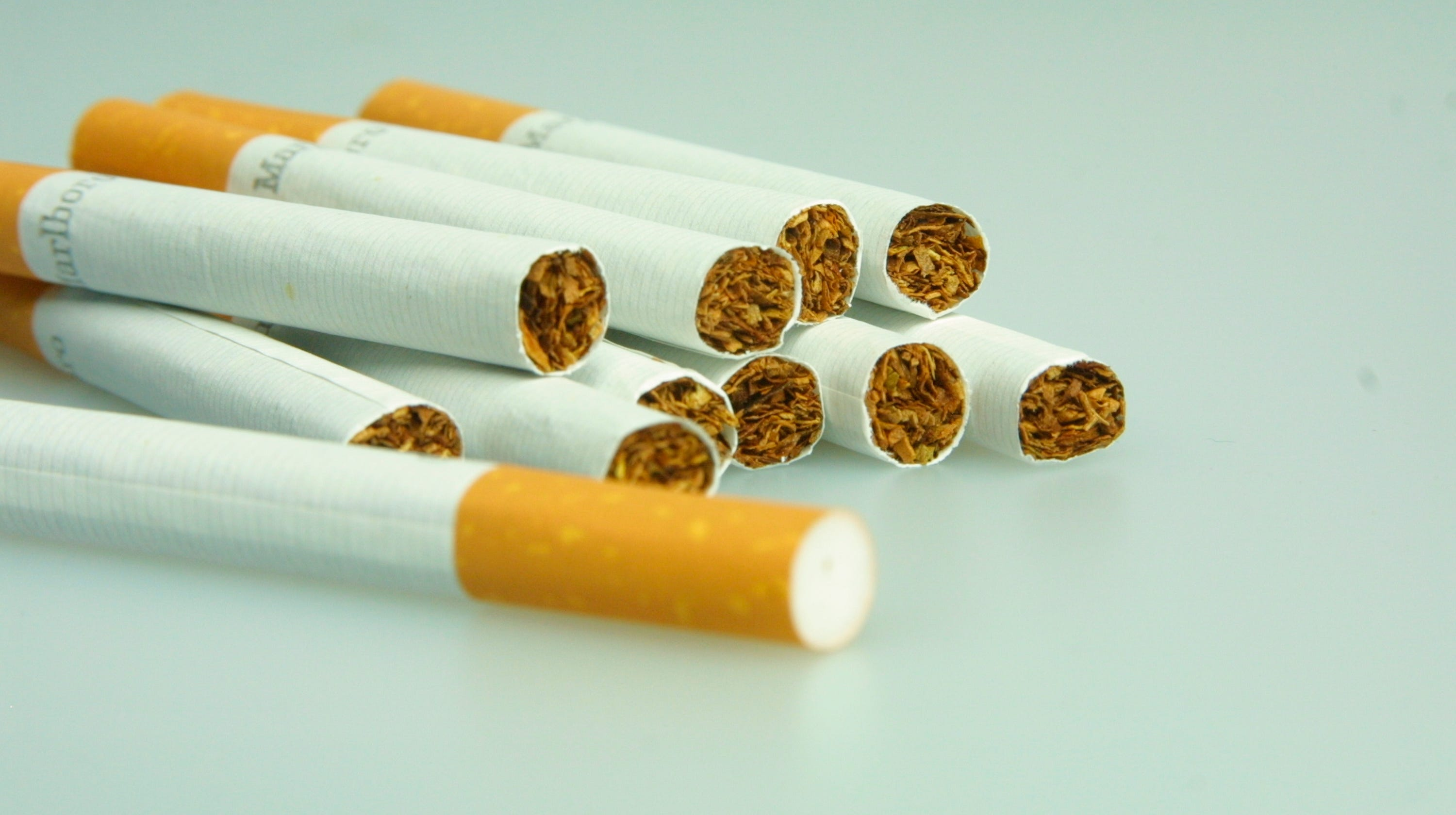 Raising the smoking age to 21 would reduce addiction and