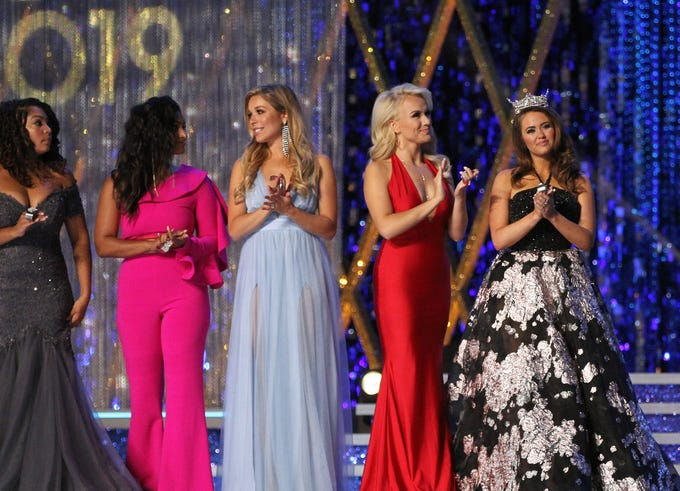 Miss America - Page 4 7e3db1f5-d328-4078-a314-5c3e9cf75c6c-USP_Entertainment-_Miss_America_Pageant_2019.2