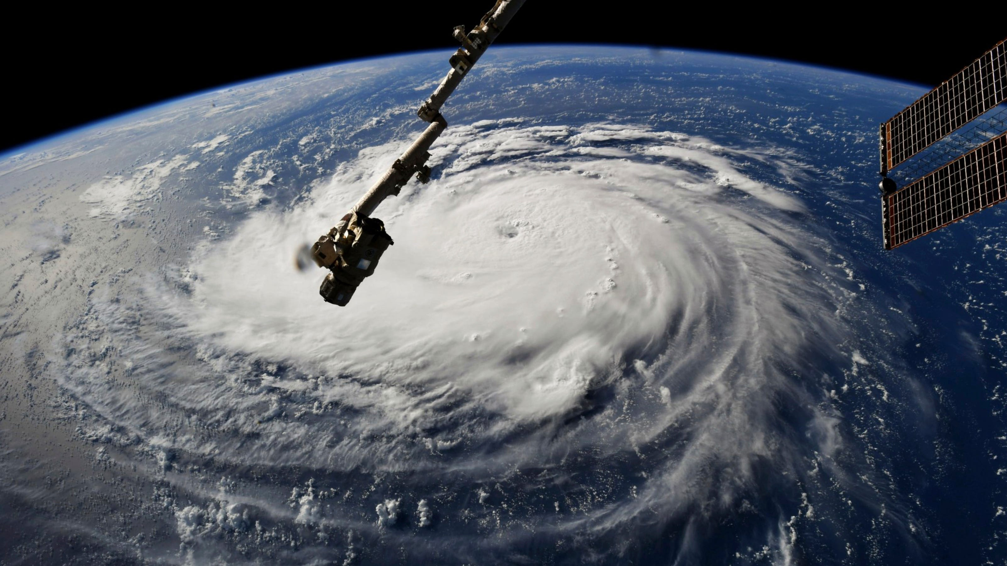Asheville Citizen Times >> Hurricane Florence is on rare path as it targets North Carolina coast