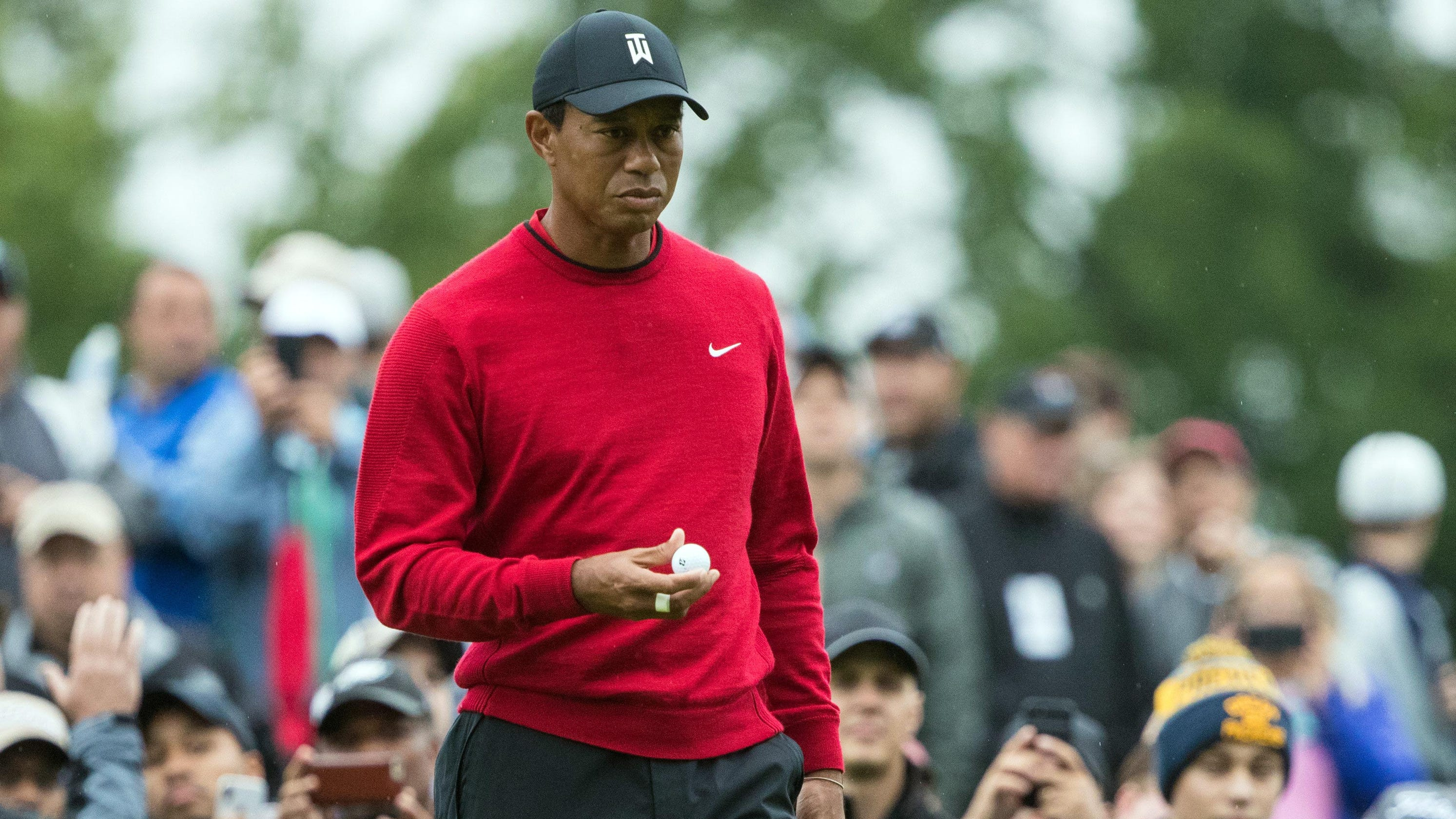 Tiger Tracker  Follow Tiger Woods  final round shot-by-shot at the BMW  Championship e7f2058c83e