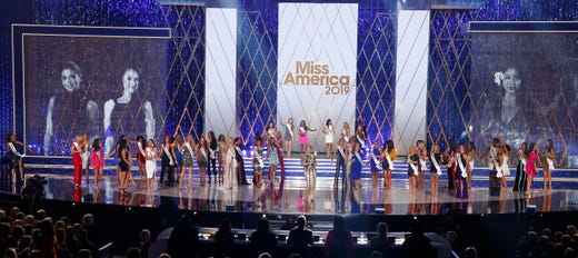 Miss America 2019 contestants fill the Boardwalk Hall stage.