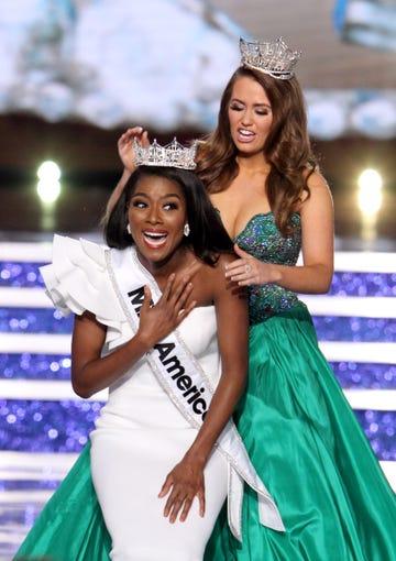 Miss America - Page 5 9173d9a0-97a6-4031-894e-e6e51268fe79-XXX_MISSAMERICA0909H