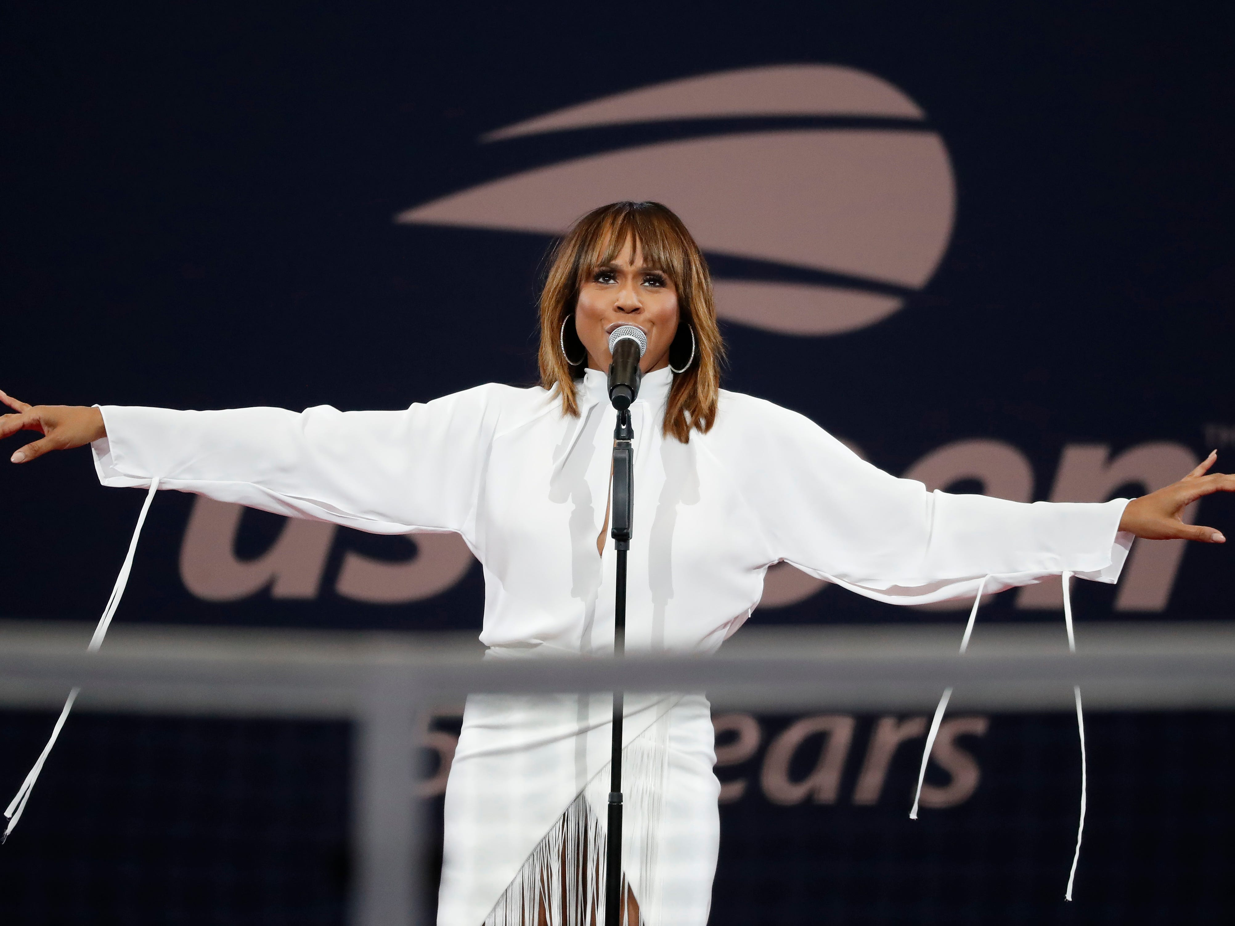 Deborah Cox performs prior to the women's final match between Serena Williams and Naomi Osaka.