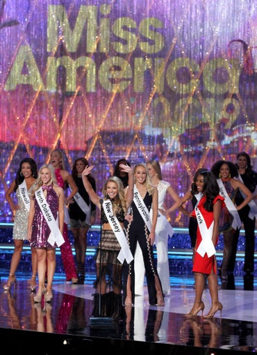 Miss America - Page 4 Fdfd16f2-b21c-4fc7-a2db-1c37e769b3dd-USP_Entertainment-_Miss_America_Pageant_2019