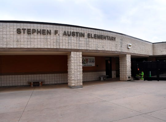 The main entrance to Austin Elementary School.