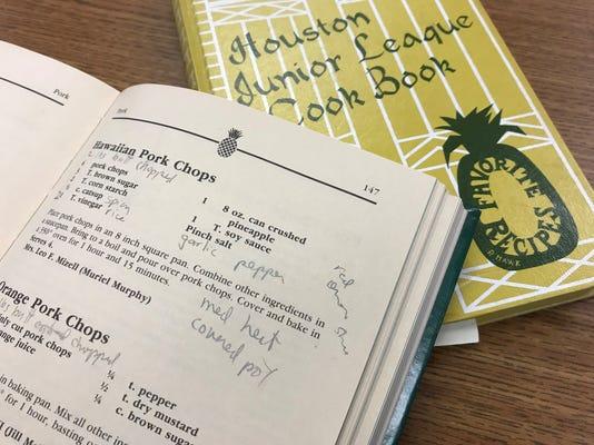 Pineapple Cookbooks Img 0697