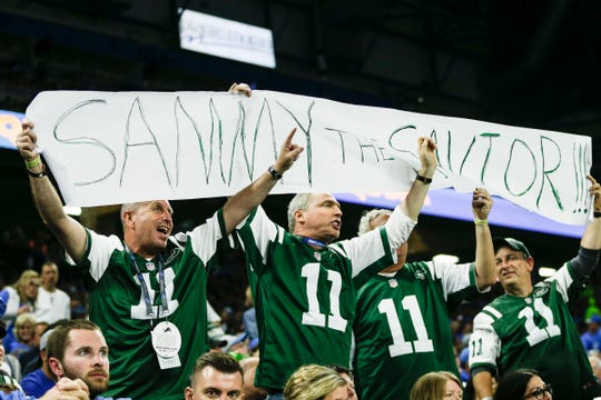 New York Jets fans cheer for quarterback Sam Darnold during the second half against the Detroit Lions at Ford Field in Detroit, Monday, Sept. 10, 2018.