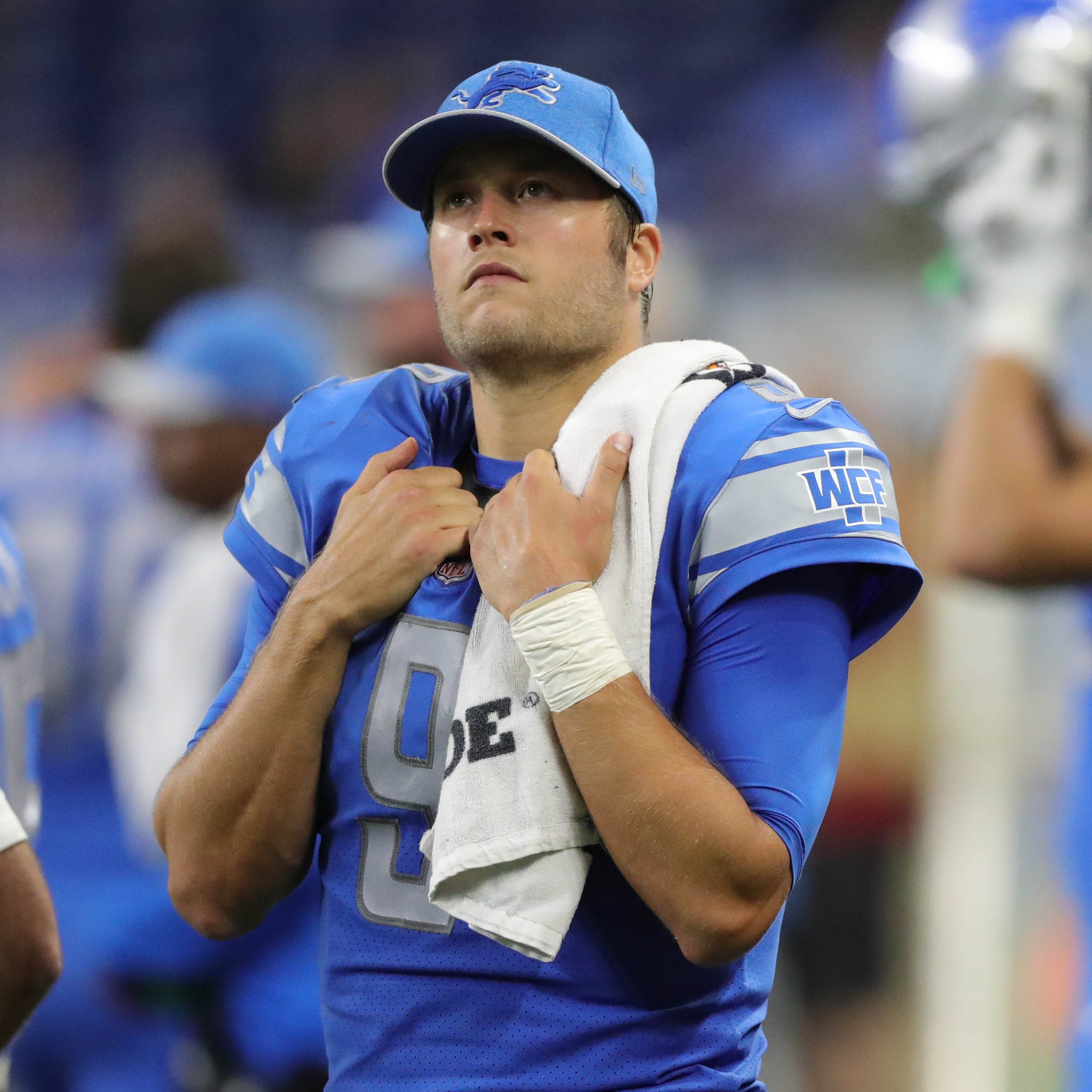 Detroit Lions' Matthew Stafford carries sagging roster; for how long?