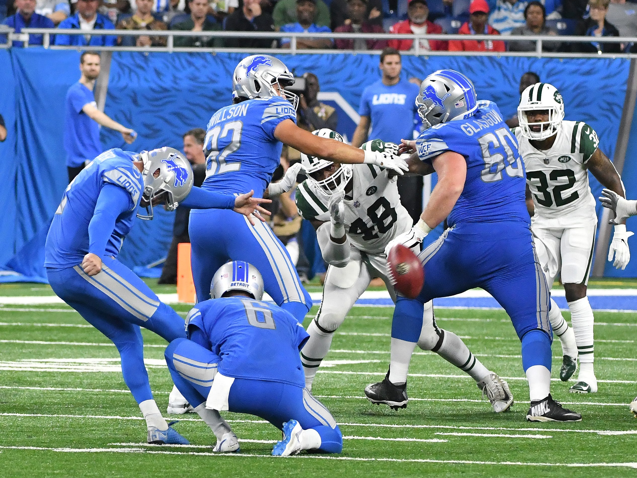 Lions kicker Matt Prater's field-goal attempt is a miss in the third quarter.