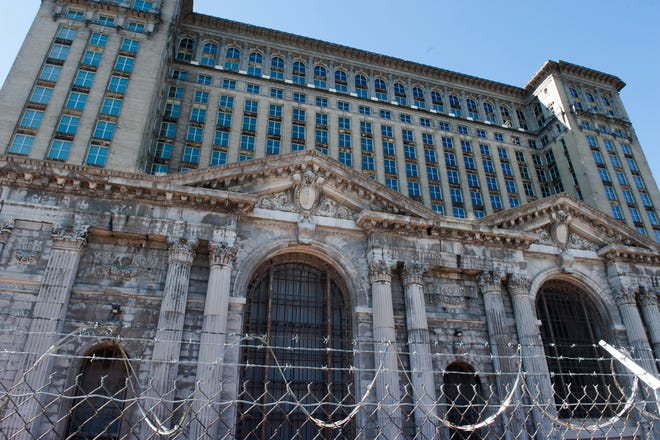 Ford Motor Co. is moving closer to landing its $104 million tax-incentive package from the city of Detroit -- a necessary piece of financing its renovation of the abandoned Michigan Central Depot.