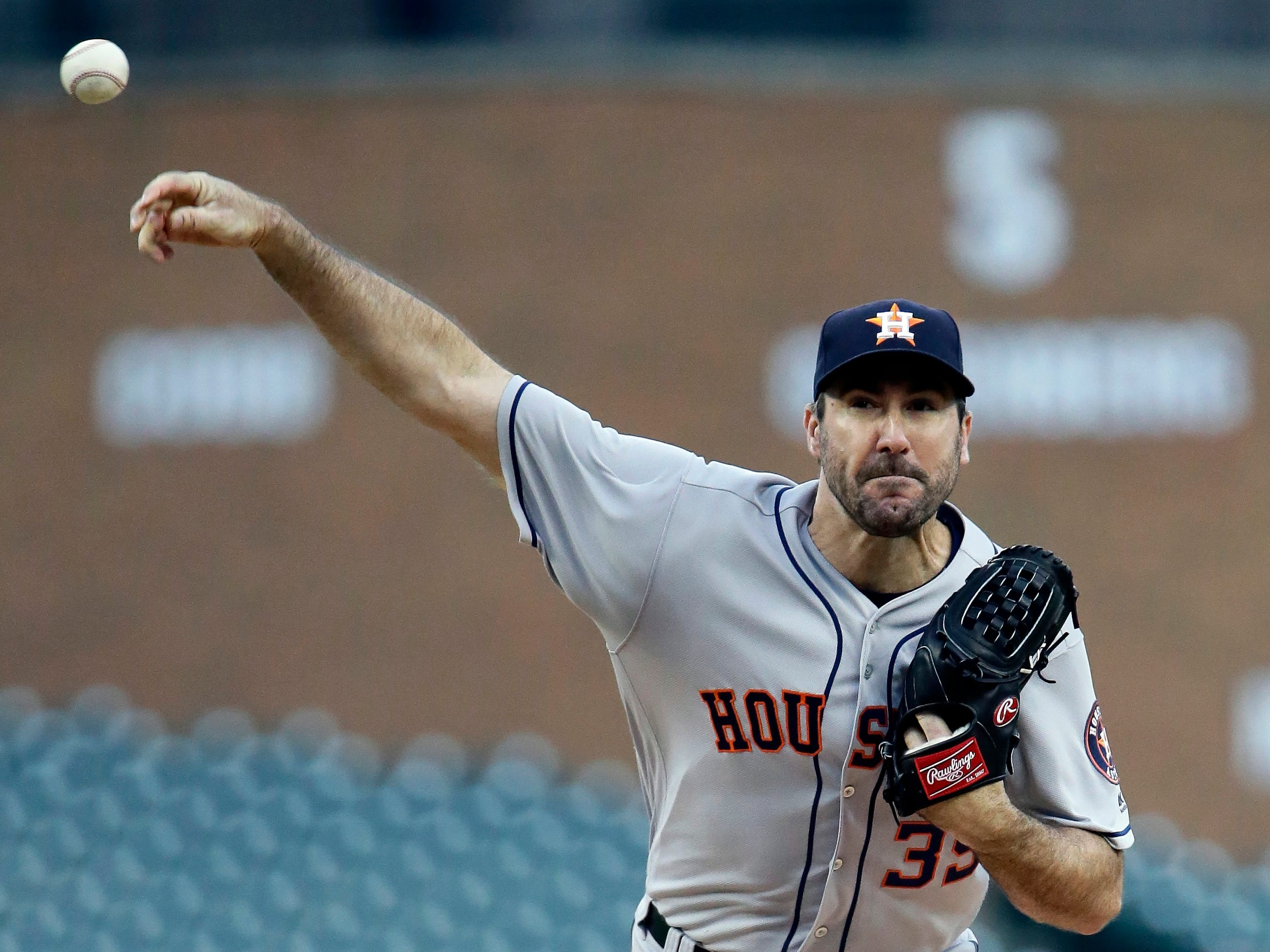 Houston Astros starting pitcher Justin Verlander (35) pitches against the Detroit Tigers during the first inning.