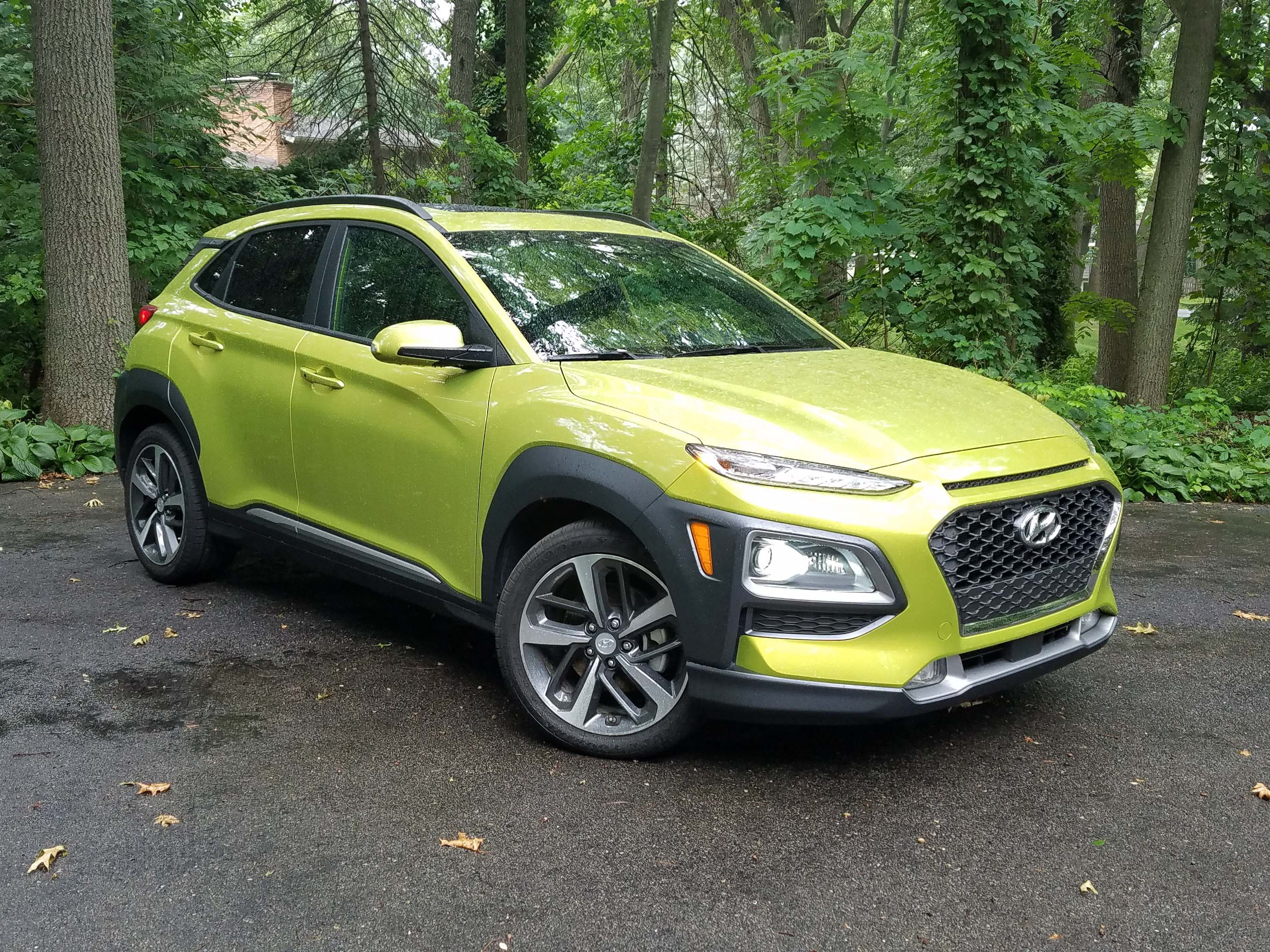 Where Toyota and Mazda stop with 2.5-liter, 145-horse four-bangers, the 2018 Hyundai Kona offers the same pair of engines that comes with the sporty Hyundai Veloster sports coupe Ð 143-horse, 2.0-liter 4-banger and 175-horse, 193-torque, 1.6-liter turbo.