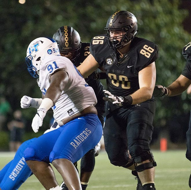 """Castle grad Bryce Bailey (86) is seeing time for Vanderbilt as a """"blocking tight end."""" The Commodores will play at Notre Dame Saturday"""