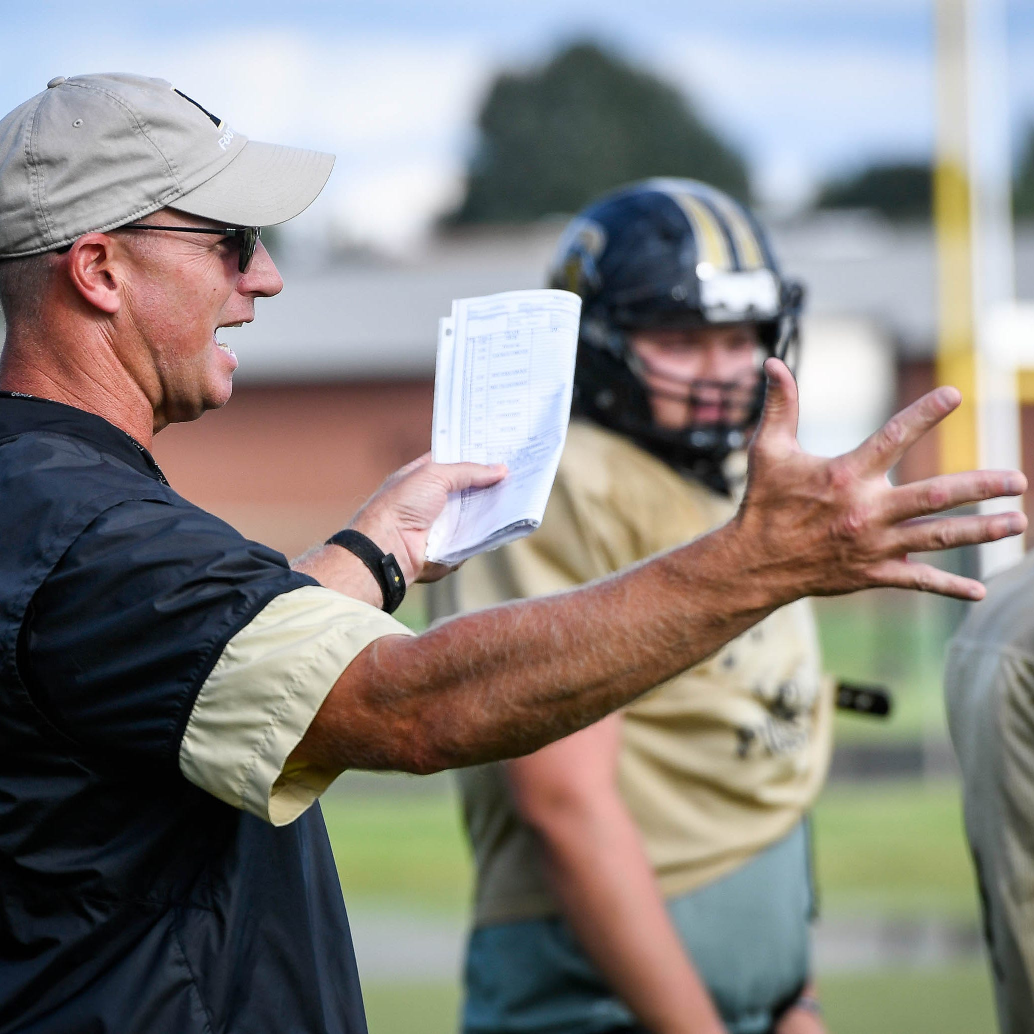 Like his mentor Bill Mallory, Boonville's Darin Ward keeping football in perspective | Engelhardt