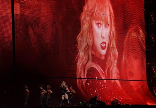 Taylor Swift Lucas Oil Stadium Reputation
