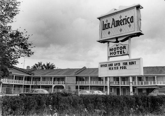The Inn America Motel (circa 1970s) was located where the Super 8 in East Lansing is currently, at 2736 E. Grand River Ave. This spot has housed multiple motels over the years.