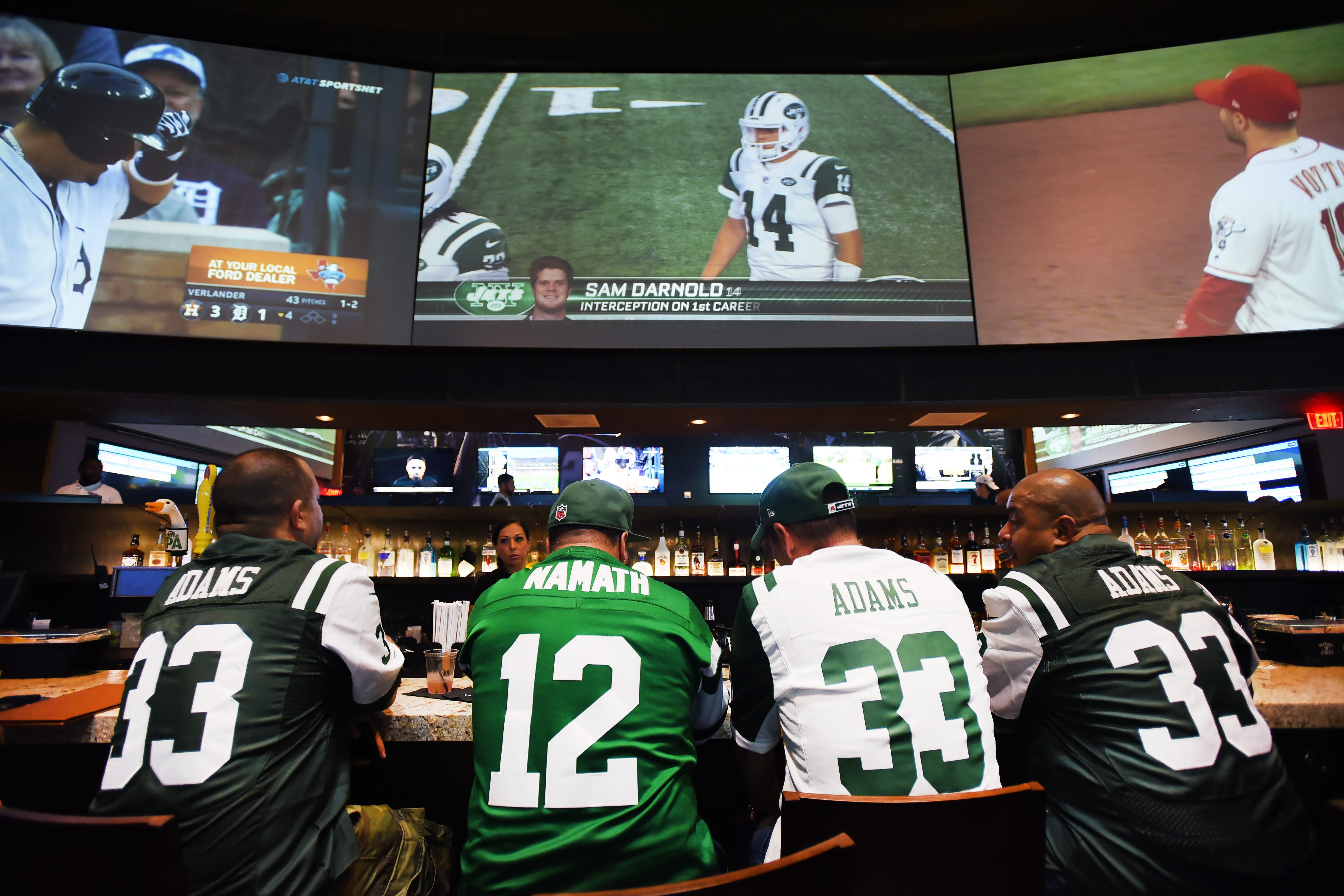 wholesale dealer d4b40 87895 NY Jets game viewing party at FanDuel Sportsbook