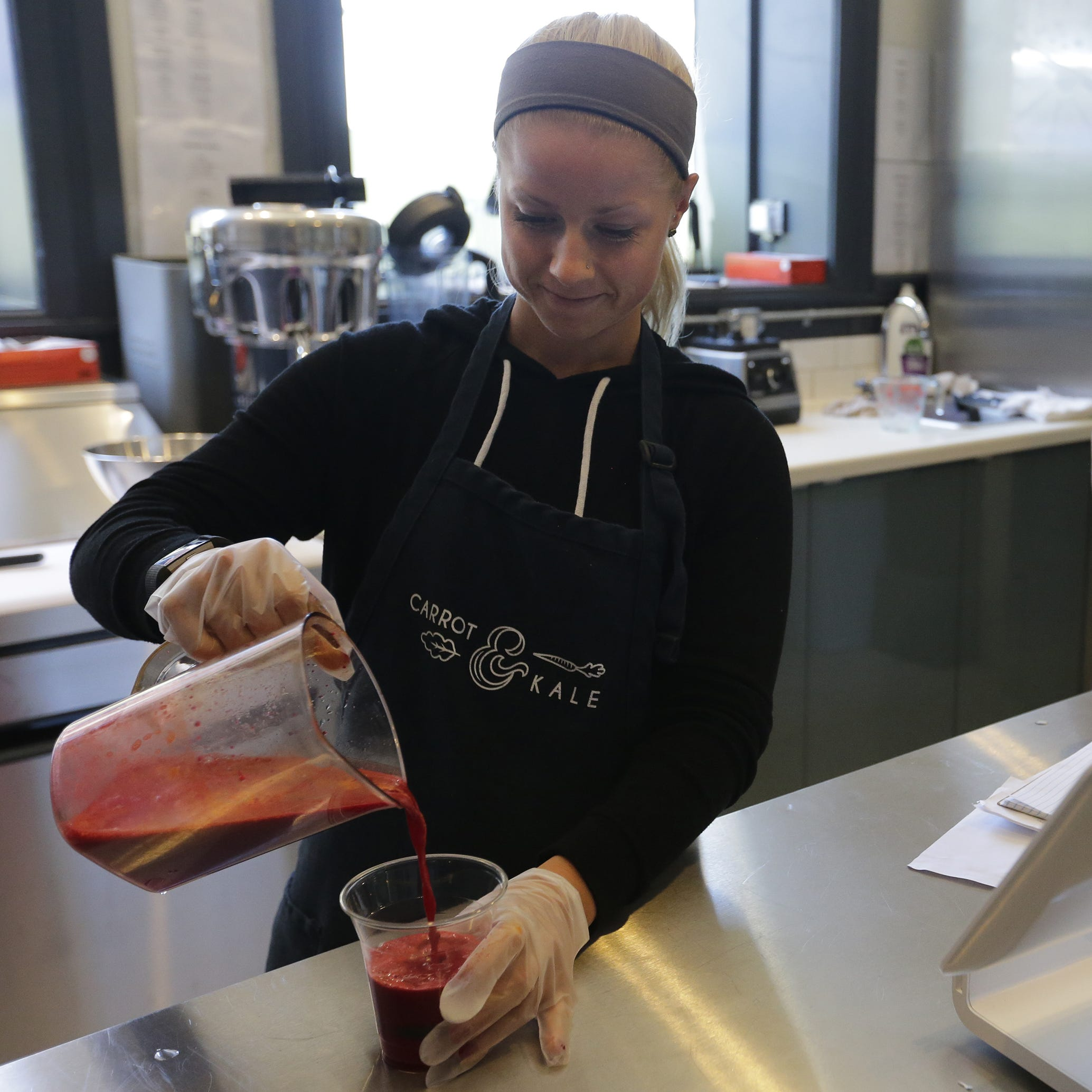 Streetwise: New juice and smoothie bar downtown provides healthy eating options in Oshkosh