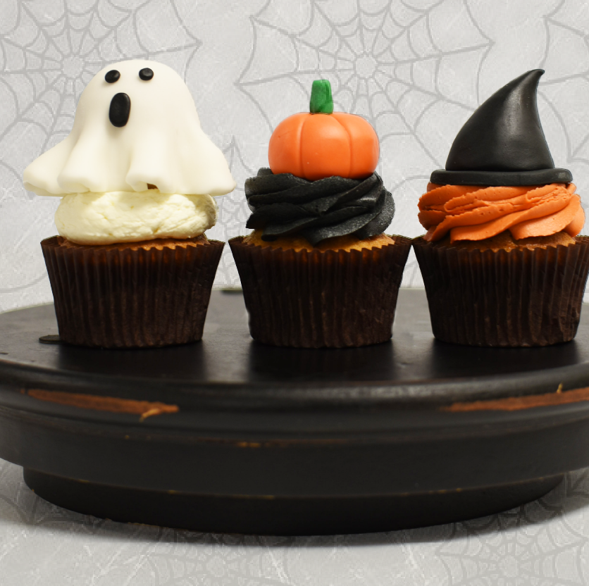 Bluejay's Bakery swoops in tohelp withyourHalloween cupcakes   Table Settings