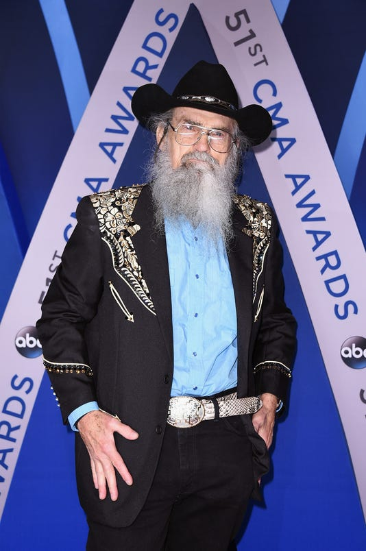 The 51st Annual Cma Awards Arrivals
