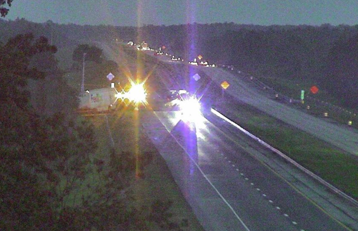 3 killed on Turnpike were behind car driving slowly with flat tire
