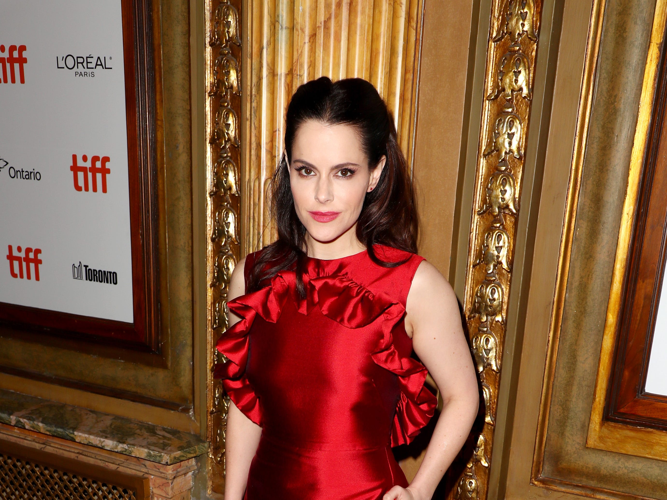 "TORONTO, ON - SEPTEMBER 10:  Emily Hampshire attends the ""The Death And Life Of John F. Donovan"" premiere during 2018 Toronto International Film Festival at Winter Garden Theatre on September 10, 2018 in Toronto, Canada.  (Photo by Joe Scarnici/WireImage) ORG XMIT: 775218789 ORIG FILE ID: 1030973904"