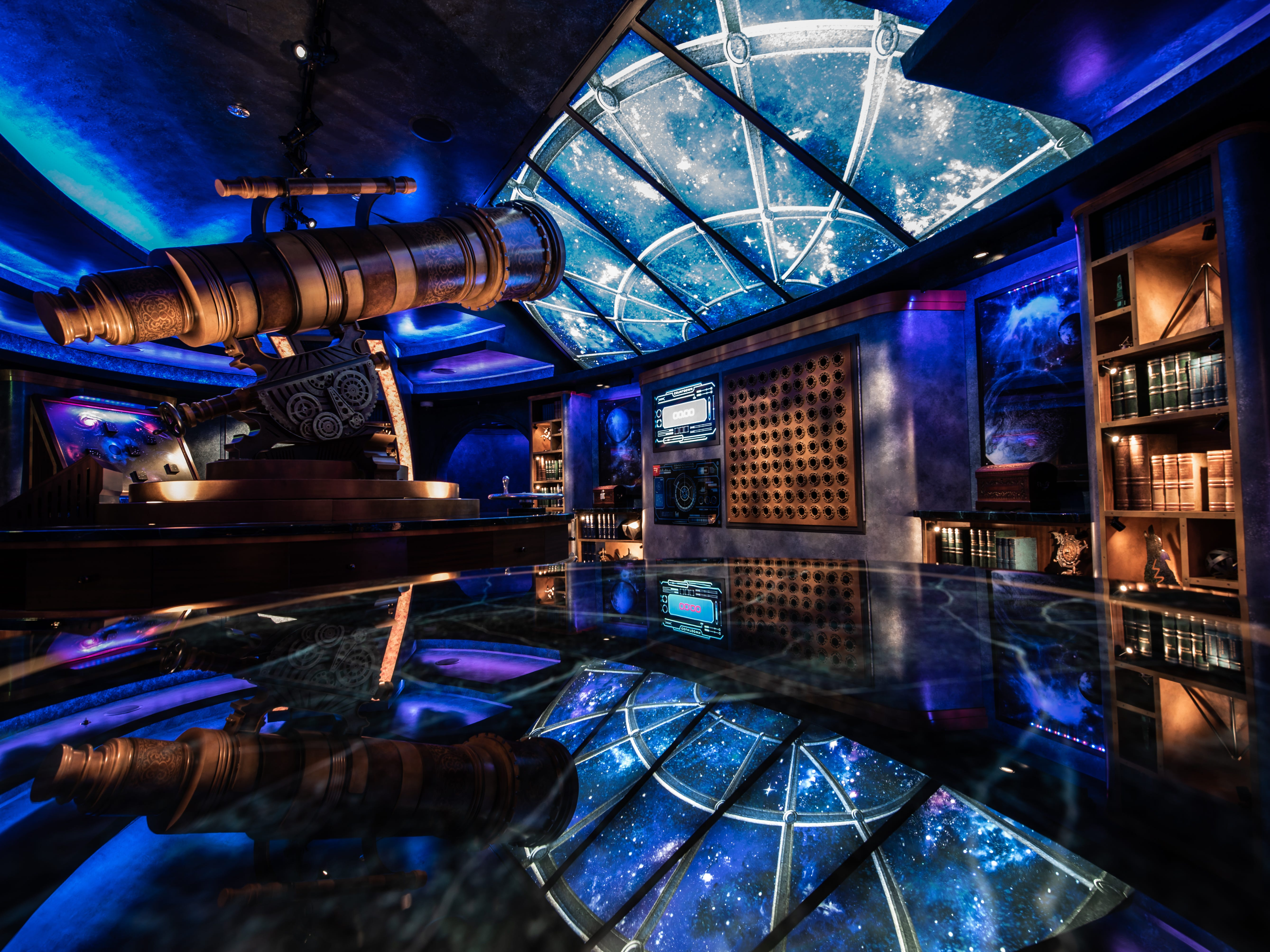 Escape rooms have found their way to sea, including the elaborate Puzzle Break: Escape the Observatorium, featured on Royal Caribbean's Independence of the Seas and Mariner of the Seas cruise ships.