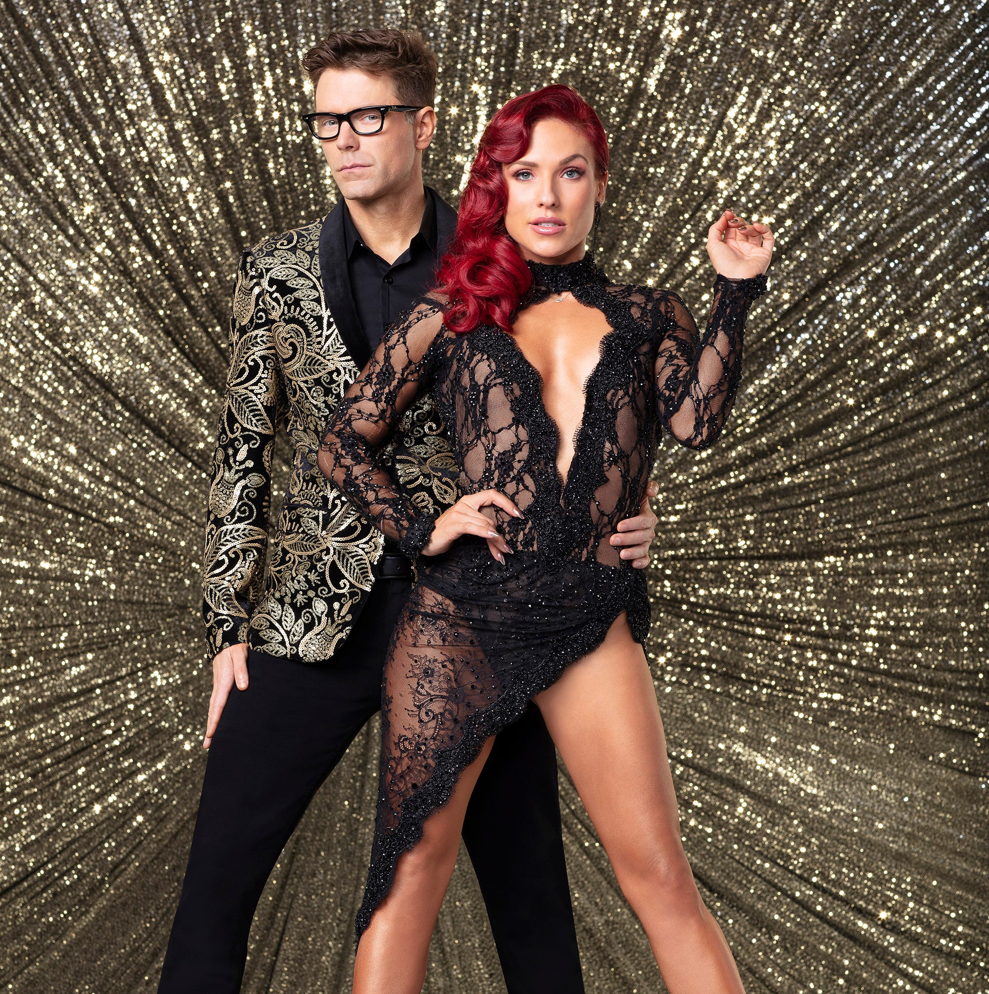 Dancing with the Stars: Bobby Bones's dance called 'exquisitely demented,' hurts shoulder