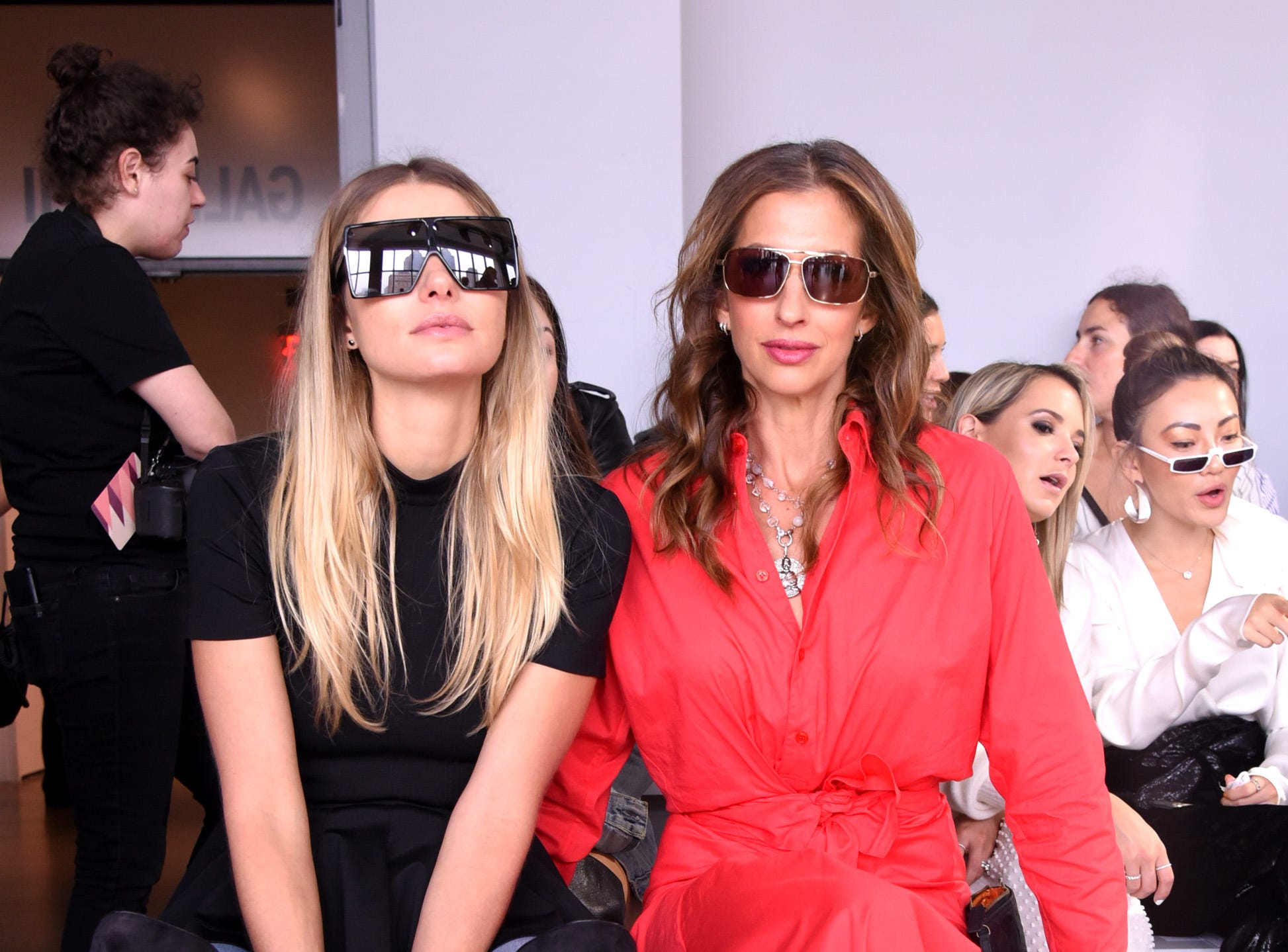Model Jessica Hart and actress Alysia Reiner attended the show.