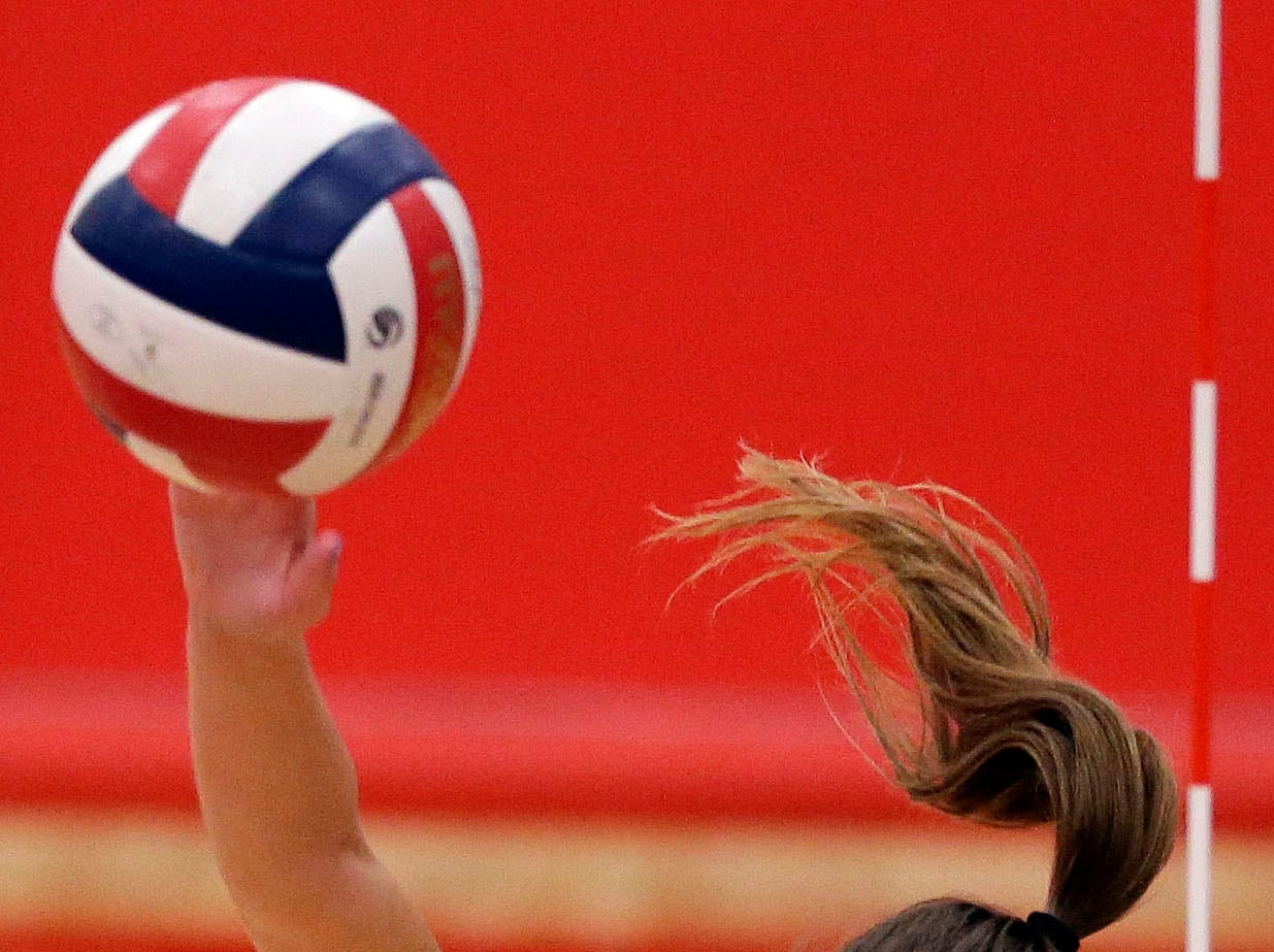 Addison Barnes of Neenah keeps her eye on the ball as she goes down the line against Kimberly in FVA girls volleyball Tuesday, September 11, 2018, at Kimberly High School in Kimberly, Wis.Ron Page/USA TODAY NETWORK-Wisconsin