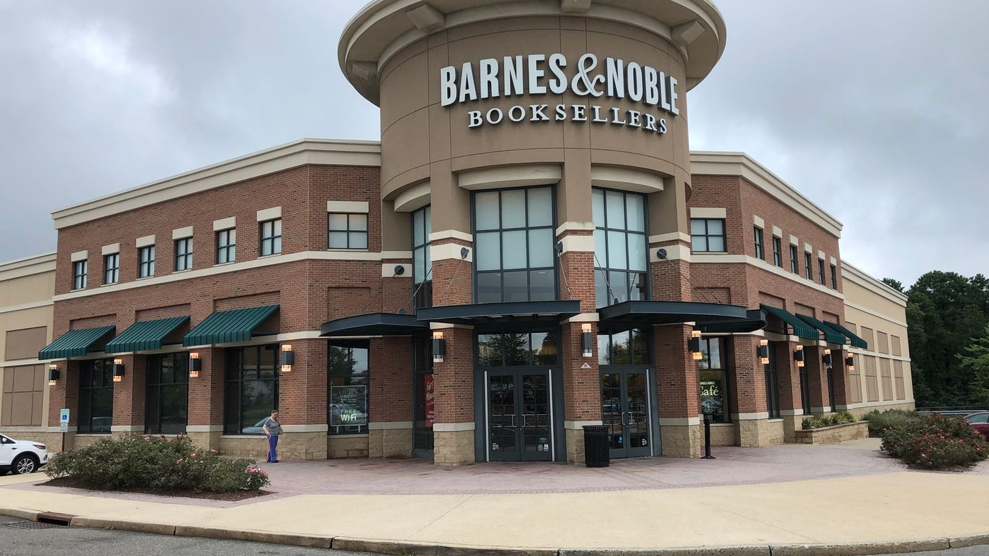 Barnes Noble Howell Store Closing