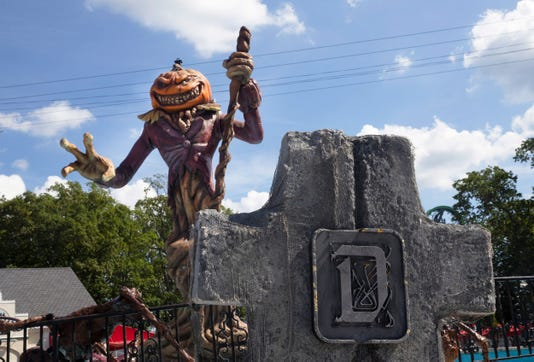 fright fest back at six flags great adventure for halloween scares