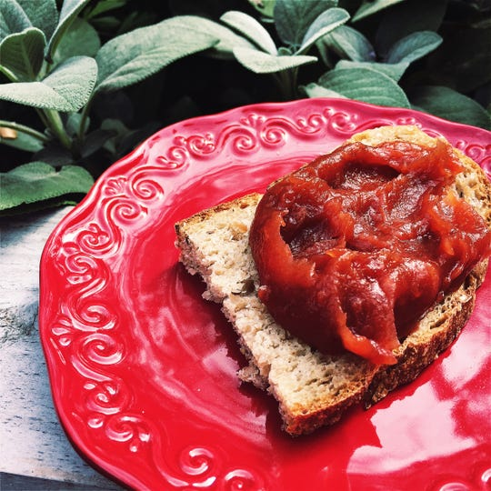 Consider this less-fuss apple butter recipe to put the bounty of the apple harvest to good use.