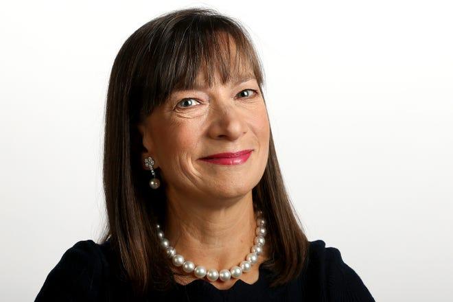 Mary Welsh Schlueter is a graduate of Harvard Business School.