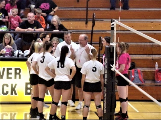 RV-Coshocton volleyball