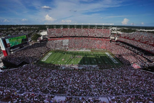 Williams-Brice Stadium draws a crowd.